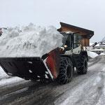 Schneetragen mit Lader 550
