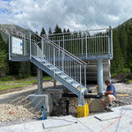 Wassertechnik montieren Rutschbahn
