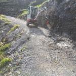 Sanierung Radweg Stierloch, Schremmarbeiten mit TB 216