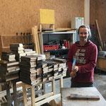 Grillholzproduktion in der Tischlerei. Saisonsende für Martin, danke für deine Arbeit bei uns!