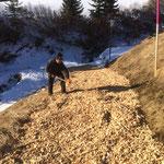 Wanderweg Goldener Berg -  Schlössle mit Hackschnitzel begehbar machen