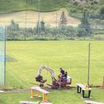 Wanderweg schottern Fußballplatz