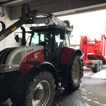 Container für Umbau zum Schneecontainer abladen am Bauhof