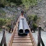 Vorläufige Sanierungsmaßnahmen Brückenpfeiler Bodenalpbrücke bis zum Ende Schmelzwasser