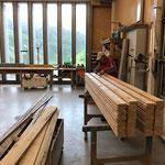 Holz vorbereiten für Reparatur Biwakschachtel