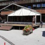 Abbau Bühne Schulplatz