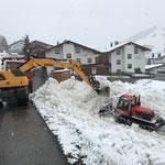 Schneeladetätigkeiten mit Radbagger 918 Schneider Erdbau, U530...