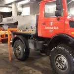 Unimog 1600, Streuer aufbauen