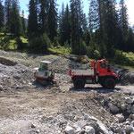 Material laden Chalberläger für Sanierung Forststraßen