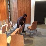 Philosophicum Lech -  Stuhlen in der Neuen Kirche