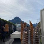 Drittleistung: Stuhltransport für Hotelveranstaltung