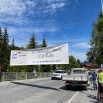 Banner aufhängen, Zürsbachbrücke