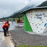 Jugendplatz, Asphaltschneidearbeiten beim Boulderwürfel