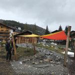 Spielplatz sport.park: Sonnensegel aufhängen, Brunnen stellen, Wasserspielstrecke in Betrieb nehmen