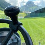 Fußballplatz mähen mit Holder C70 SC