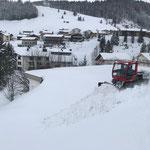 Snow Rabbit 3 in Oberstubenbach, Schneeverschubarbeiten für Winterwanderwegtrasse