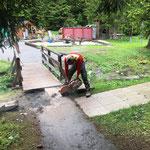 Vorbereitungsarbeiten für Asphaltierarbeiten im Waldbad