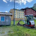 Blitzableiter Eisplatz Zürs, Baggerarbeiten mit TB216