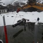 Bodenmatten Tennisplatz Hotel Arlberg verladen, mit Schneider Erdbau und U530