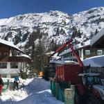 Skiabfahrt Tannberg, Auslauf Schnee abgreifern