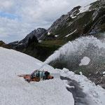 Lader 509 auf dem Weg zur Brazer Staffel, im Hintergrund die Ravensburgerhütte