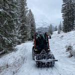Holder C70 SC, Wanderwege präparieren mit Reifenwalze