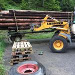 Reifenreparatur Holzhänger