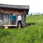 Bank aufstellen Grüner Ring, Hüttenbibliothek Trittalp