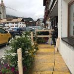 Rampenbau Bürgerservice neu beim Gemeindeamt, Montage Geländer