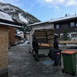 Abbau und Aufräumen Weihnachtsmarkt Lech