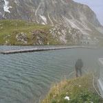 """Abbau Steg Zürsersee, Vertauen im See mit """"Anker"""""""