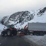 Schneeräumung mit Anhängerfräse Zürs