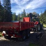 Waldbad Lech - Kinderbecken-Neubau: Materiallieferung mit Steyr 6190 CVT für LKW-Fahrweg
