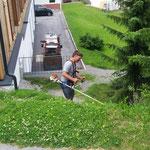 """Rasenpflege beim """"Betreuten Wohnen"""""""