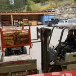Grillstellen befüllen, Mülldienst