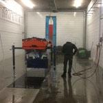Bauhof aufräumen, Splittstreuer Holder entleeren und reinigen