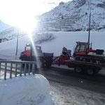 Paana-Transport mit U1600 nach Zürs, für Winterwanderwegpräparierung