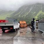 Absperrgitter nach Veranstaltung Schützengilde Lech wieder zum Bauhof bringen