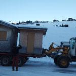 Hütten aufladen für Weihnachtsmarkt Zug