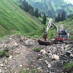 Gaißbachtobel - Sanierung mit Bagger für Alpe Wöster, Viehtrieb