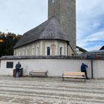 ...und Kirchplatz