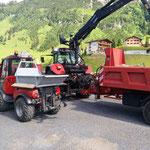Feinplanie umladen für Sanierung Burgwaldweg, mit Steyr 6190 CVT und Holder