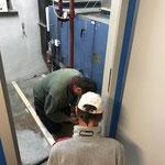 Verlegen Holzboden Putzraum Postgarage