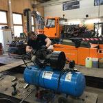 Kompressor reparieren in der Werkstatt
