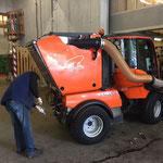 Umbau Holder C270 - von Unkrautbesen zurück zu Kehrmaschinenaufsatz
