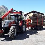 Rundholzfuhre Richtung Sägewerk Dalaas