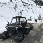 Wegepflege mit Polaris Quad