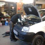 Reparaturarbeiten am ARA-Panda