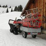 Polaris Sportsman ACE, Bänke stellen Winterwanderwege Oberlech