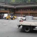 Aufbau Philosophicum-Zelt am Schulplatz